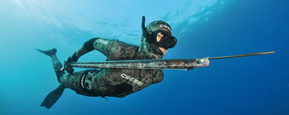 Spearfishing: Credits to www.essickphoto.com